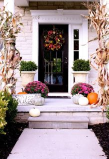 pretty-fall-porch-decor-ideas-49