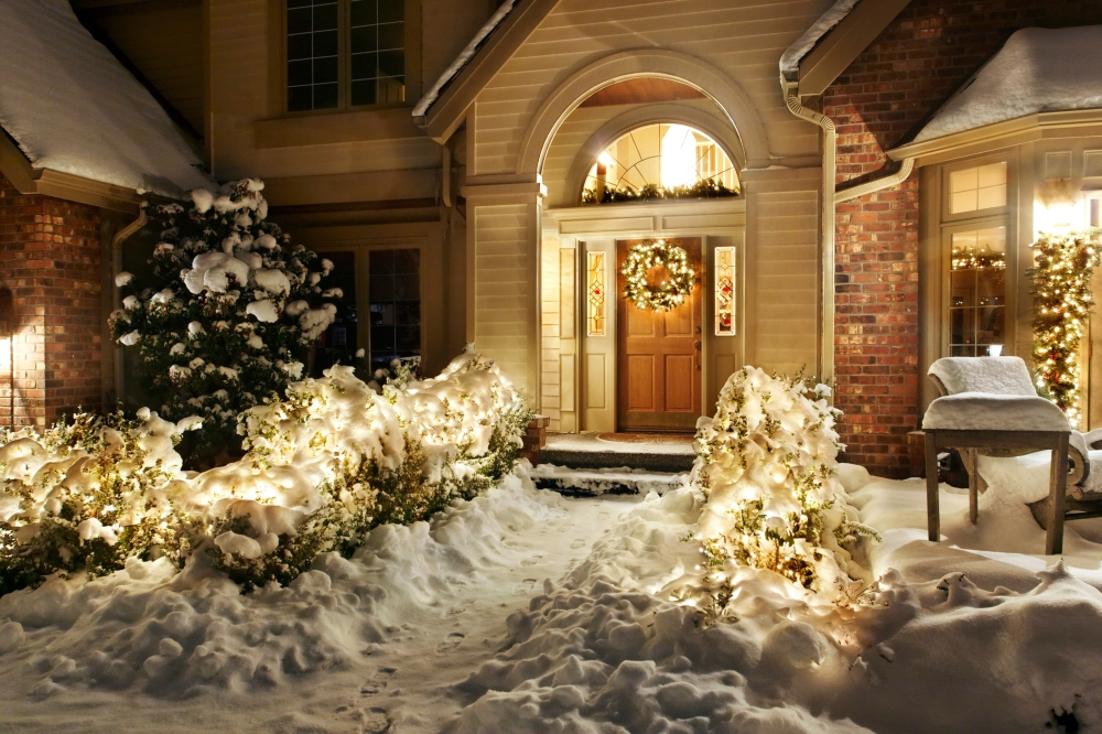 snowHouse_78798733.jpg