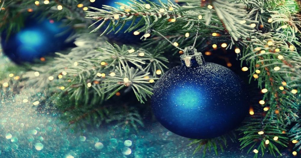ChristmasBalls_521981116_1200x630 (002)