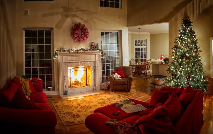 ChristmasFamilyRoom_414703243